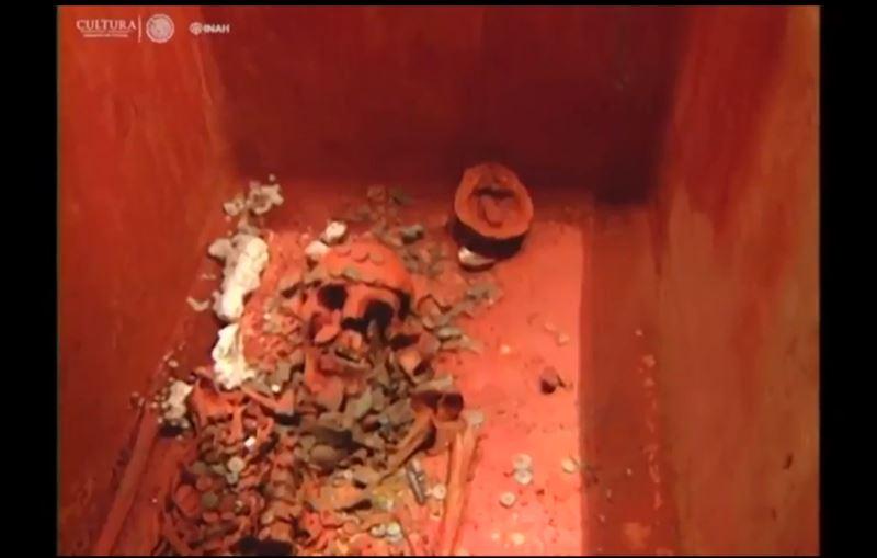 Археологи представили гробницу Красной королевы майя