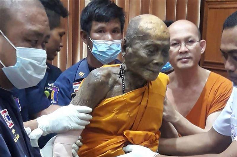 Буддийский монах начал улыбаться через 2 месяца после смерти