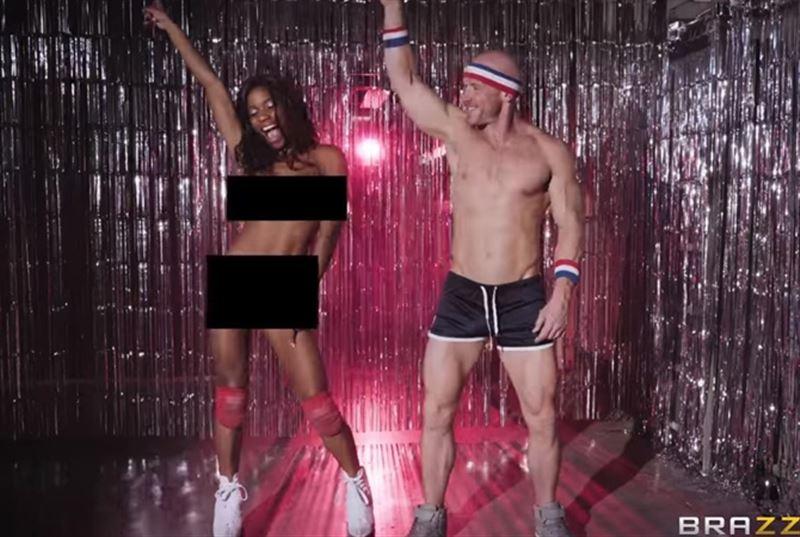 Порностудия опубликовала видео с неудачными и смешными дублями со съемок