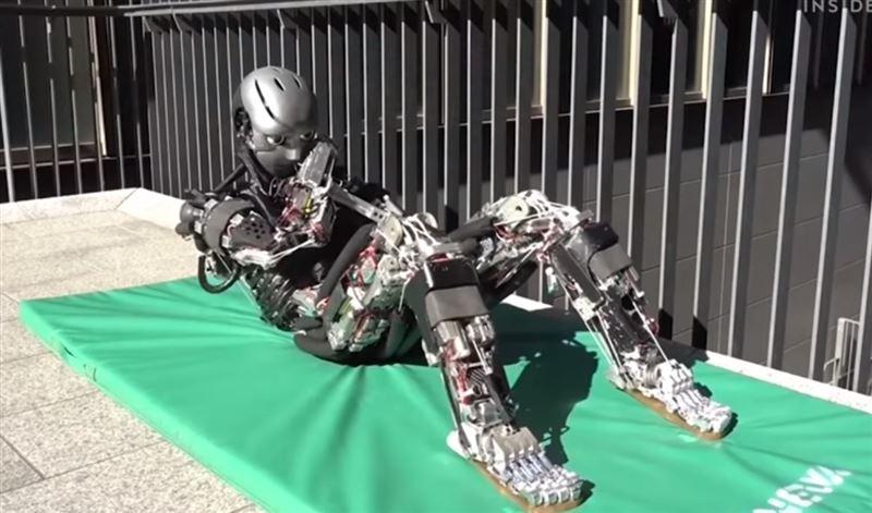 В Японии изобрели робота-спортсмена