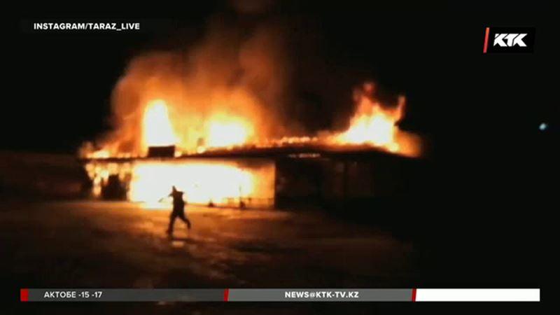 Несколько бутиков сгорело в Жамбылской области