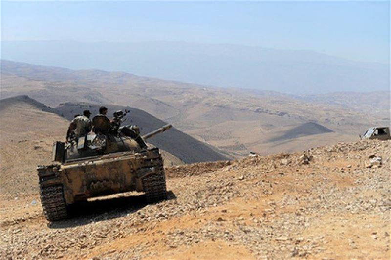 ВИДЕО: Сирияда лаңкестер бірін-бірі танкпен мыжғылап өлтірді