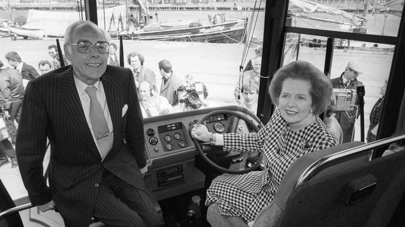 На продажу выставлен бронированный автобус Маргарет Тэтчер