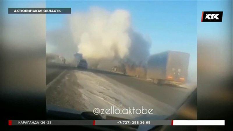 Горящий грузовик ехал по трассе Самара – Шымкент