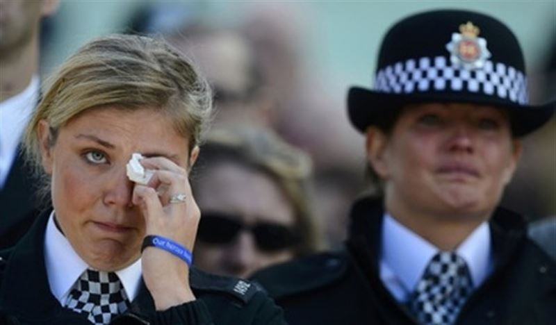 Британские женщины-полицейские теперь смогут раздеться и поплакать