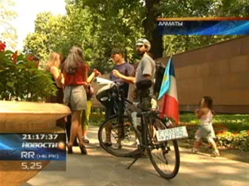 Продолжается паломничество иностранных путешественников в Алматы