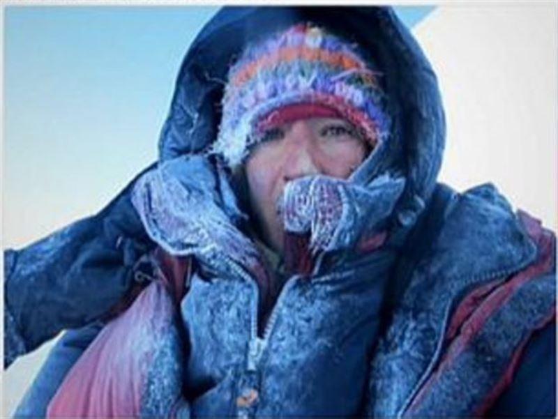 ВИДЕО: Әлемдегі ең қауіпті шыңнан альпинист қыз құтқарылды