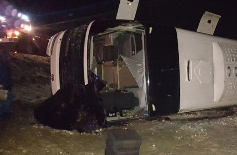 ВИДЕО: В Ростовской области перевернулся автобус, погибли 4 человека
