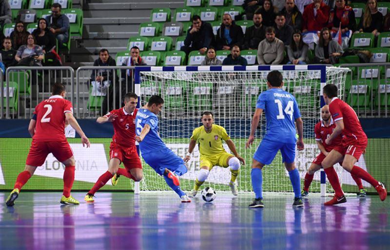 Сборная Казахстана победила Сербию и вышла в полуфинал Евро-2018 по футзалу
