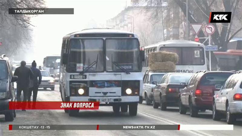 В Талдыкоргане исчезли дорожные знаки