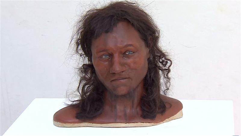«Первый британец» на самом деле был темнокожим голубоглазым брюнетом