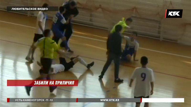 Подравшихся актауских футболистов оштрафовали