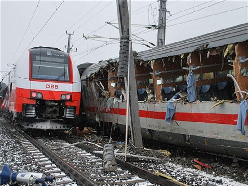 В Австрии столкнулись два пассажирских поезда: есть жертвы