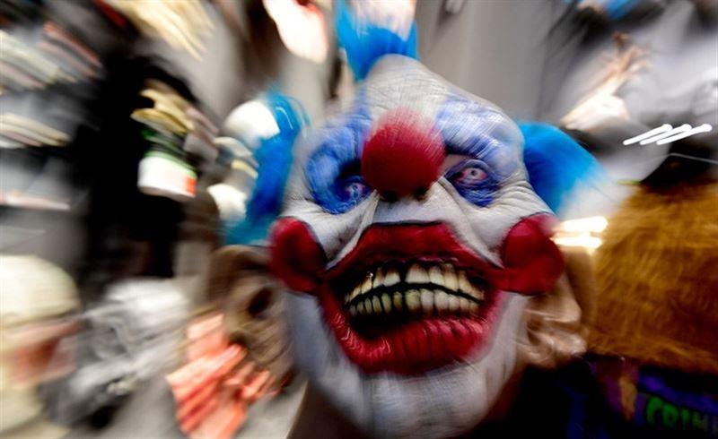 Более 100 грабителей в костюмах клоунов задержали в Рио-де-Жанейро