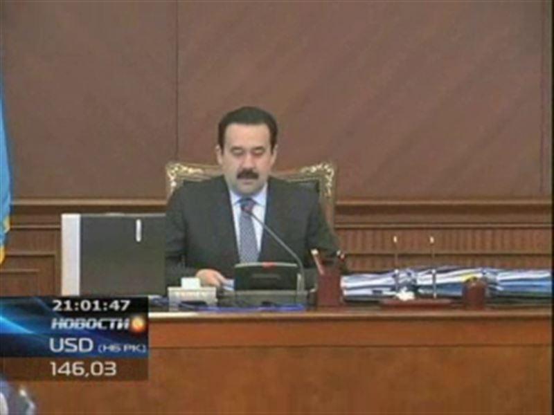 Премьер-министр общался с казахстанцами в формате интернет-конференции