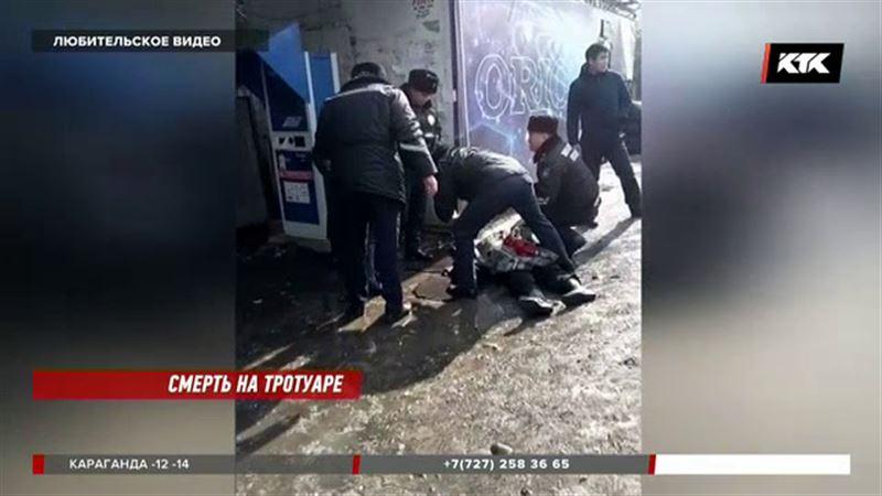 В Алматы неуправляемая  машина снесла пешеходов