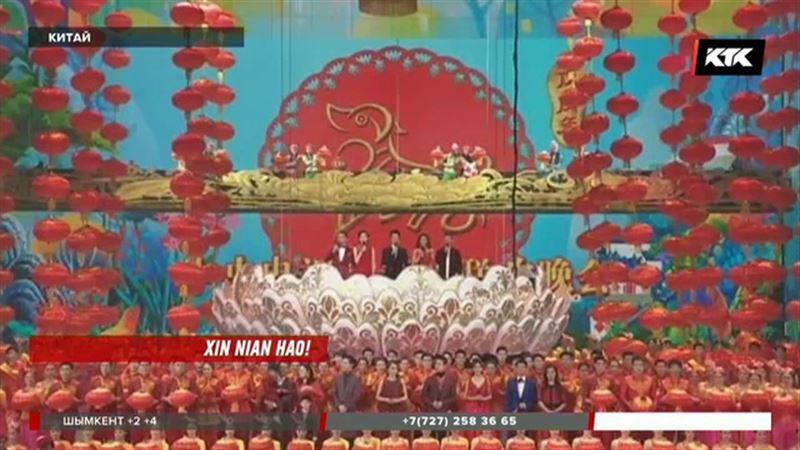 На Новый год китайцы дарят подарки даже животным