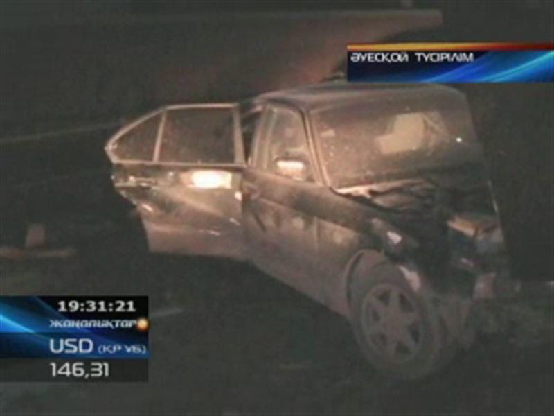 В Павлодаре в аварию попали любители ночных гонок
