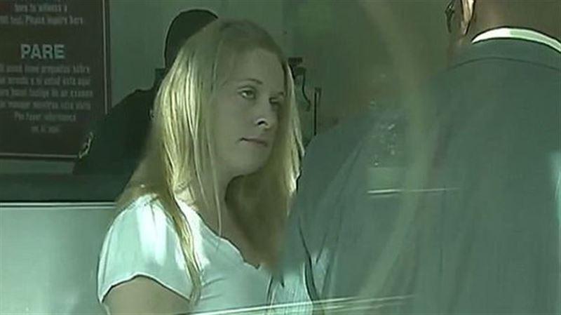 Американка попала в тюрьму за крещение собственной дочери