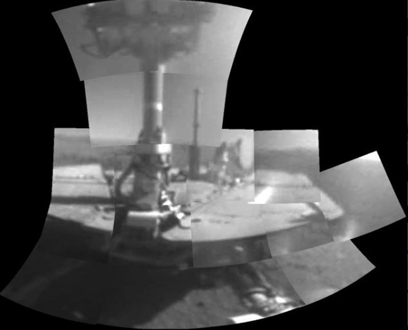 Марсоход Opportunity сделал первое «селфи» на Марсе