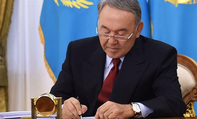 Нурсултан Назарбаев утвердил новую версию казахского алфавита