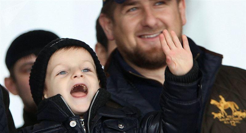 ВИДЕО: Қадыровтың ұлдары жекпе-жекке жауап берді