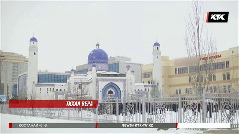 Жители Казахстана жалуются на церкви и мечети
