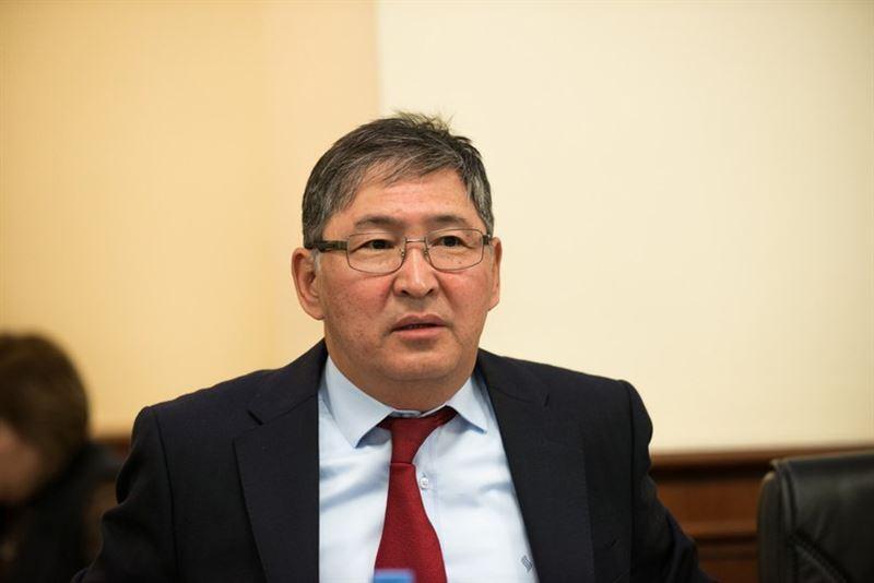 Министр қазақ тілінде баяндама жасауға уәде берді