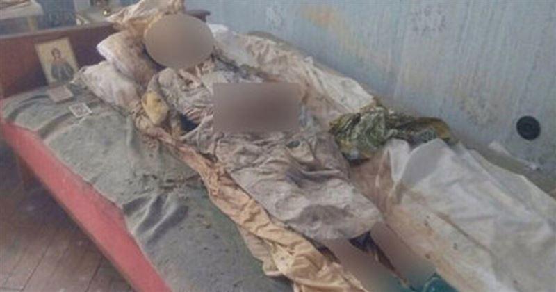 ШОК: Дочь-инвалид 30 лет жила в квартире с мумией умершей матери