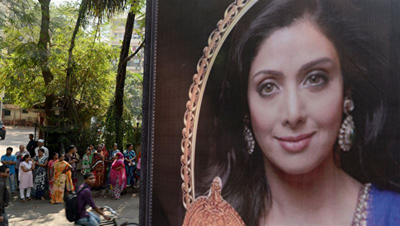 Тело индийской актрисы Шридеви доставили для прощания в Мумбай