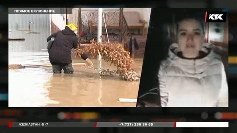 Вода стремительно прибывает в поселок Алматинской области