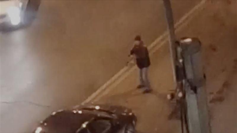 Видео: Көліктегі адамға төрт рет оқ жаудырған қылмыс барысы таспаға түсіп қалған