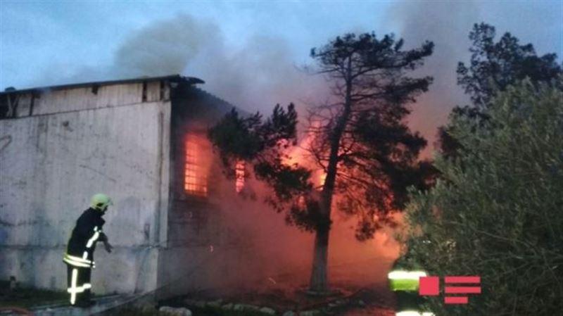 При пожаре в наркологическом центре в Баку погибли около 30 человек