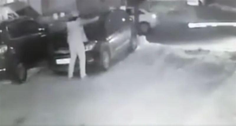 ВИДЕО: Житель Санкт-Петербурга расстрелял двоих на автомобильной стоянке