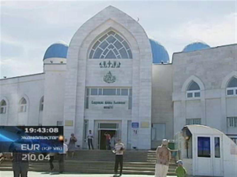 Мусульмане всего мира встречают священный месяц Рамазан