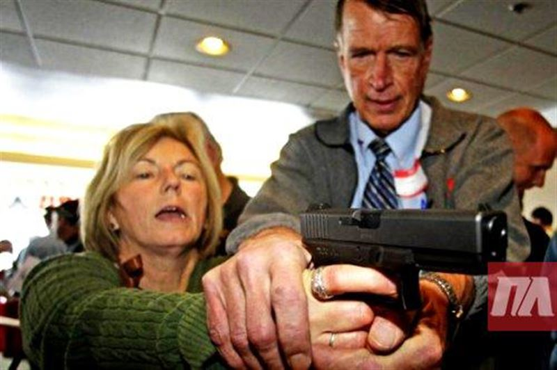 Учителям в американском штате Флорида разрешили вооружаться
