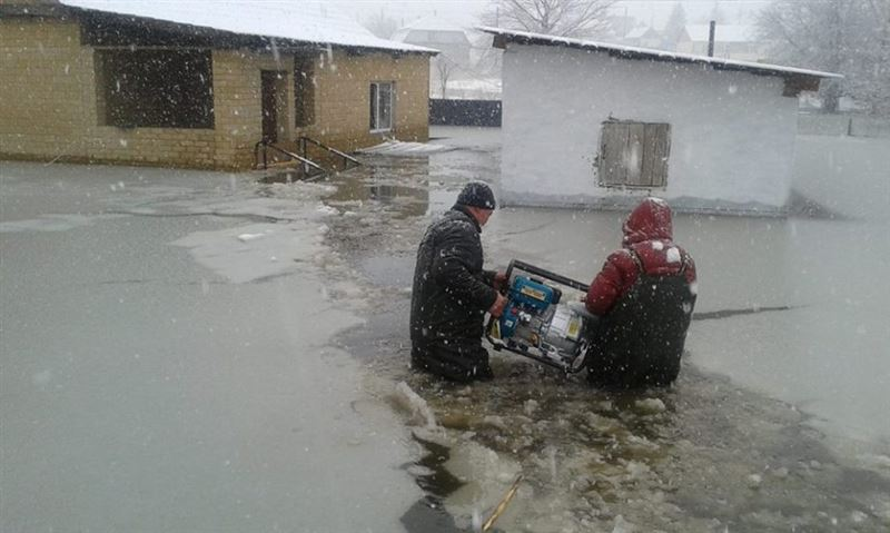 ВИДЕО: Аягөзде төтенше жағдай жарияланып, 400 адам эвакуацияланды