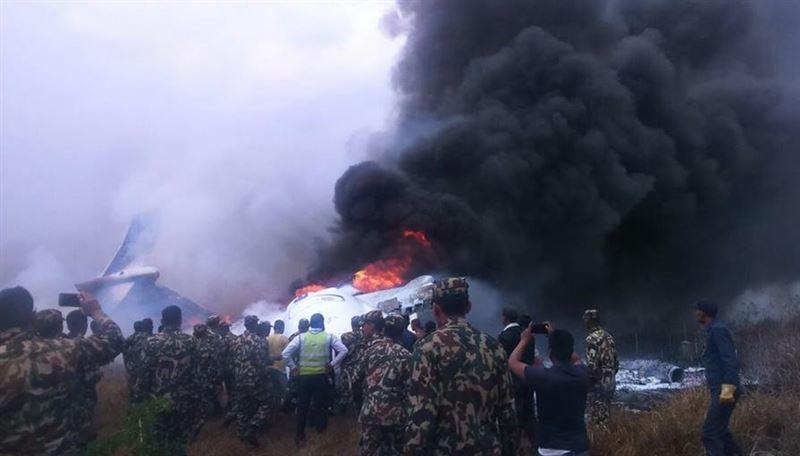 В результате крушения самолета в Катманду погибли не менее 38 человек
