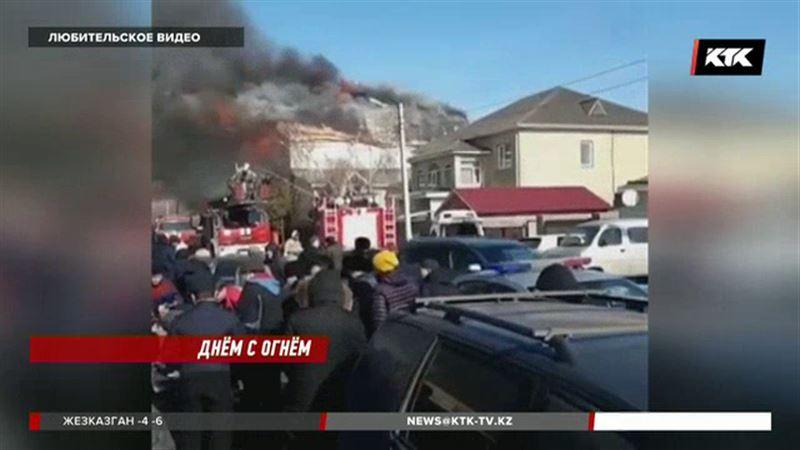 В Астане заживо сгорели женщина и ребенок