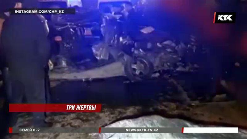 Три человека погибли в алматинском ДТП