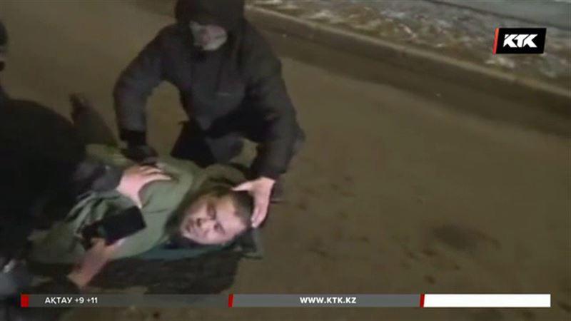 Ақмола облысында лауазымды полицейлер радикалдық топтың қылмысына көз жұма қараған