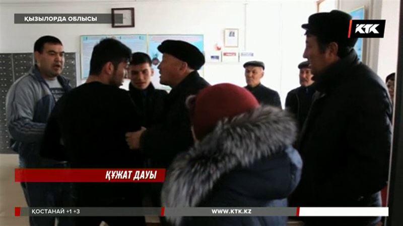 Қызылорда облысында дау шығарған кәсіпкерлер әкімдікке баса-көктеп кірді