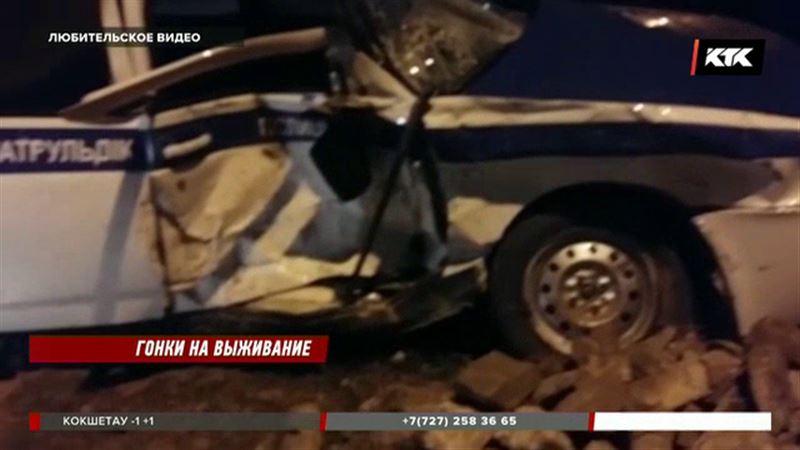 Житель  Актау на полной скорости врезался в машину полицейских