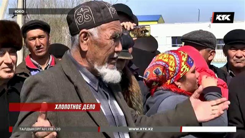 Казахстанские хлопкоробы не могут засеять поля – нет денег на семена