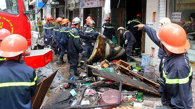 Во Вьетнаме 13 человек погибли при пожаре в жилом комплексе