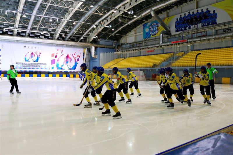 Допты хоккей: Қазақстан жасөспірімдер құрамасы ӘЧ қола жүлдегері атанды