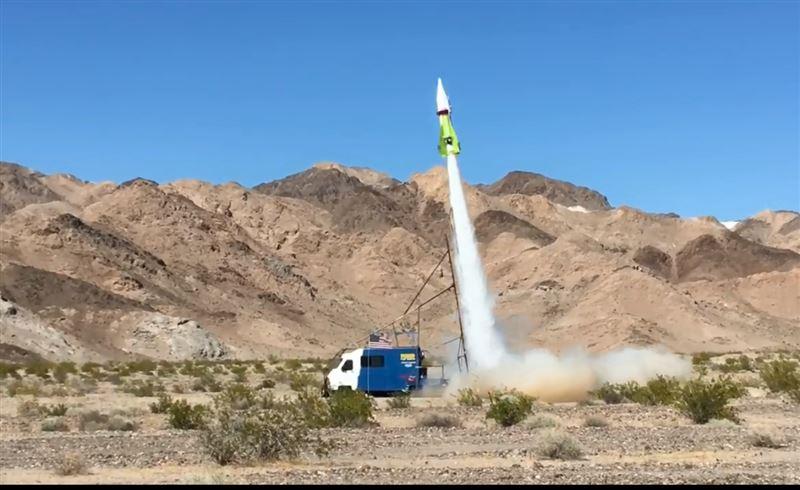 Полет американца на самодельной ракете попал на видео