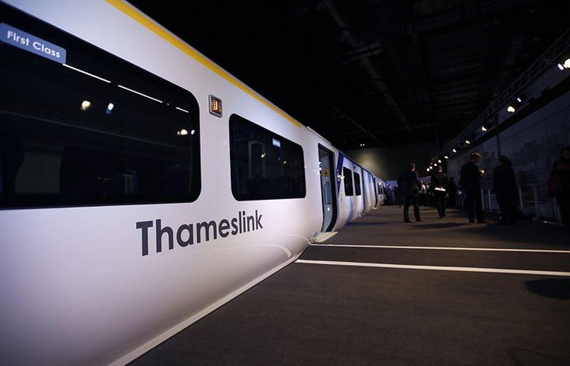 В Великобритании беспилотный поезд отправился в свой первый рейс