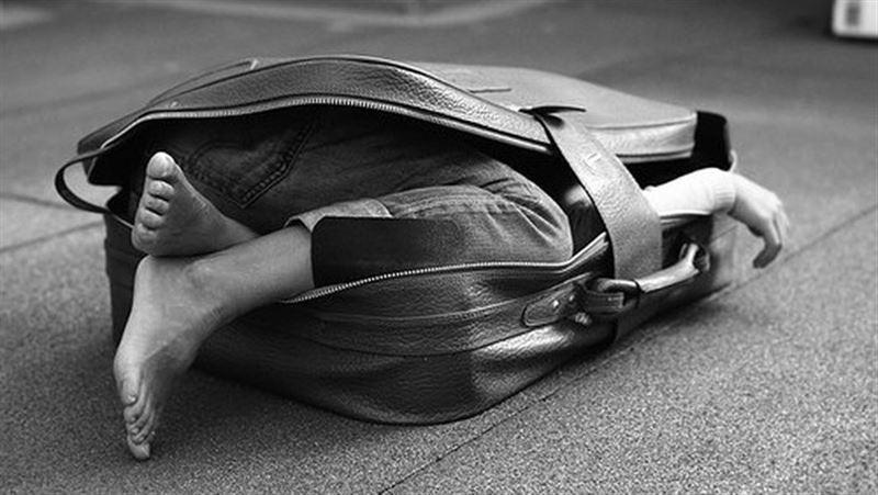 Казнили убийцу, спрятавшего в чемоданах трупы беременной женщины и старшеклассницы
