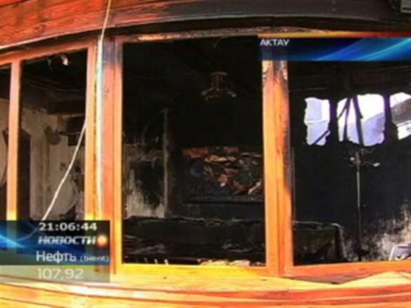 В Актау на берегу Каспия сгорело летнее кафе